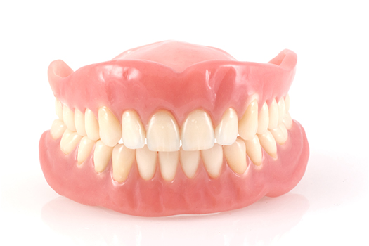 Tips for the care of dentures for the seniors